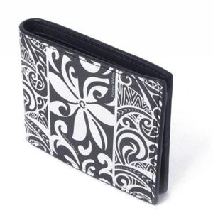 Happy Wahine Tapa Tiare Black wallet